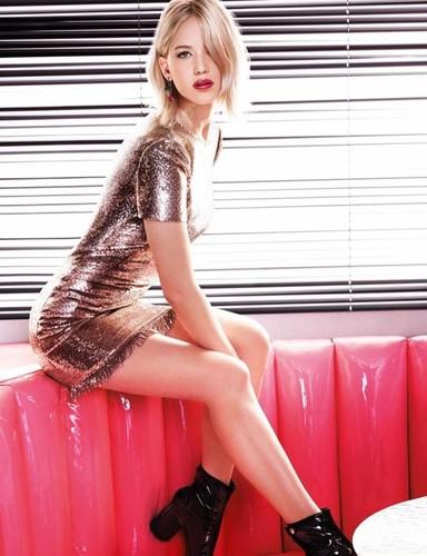 Jennifer-Lawrence-Dior-Addict-Lacquer-Stick-3.jpg