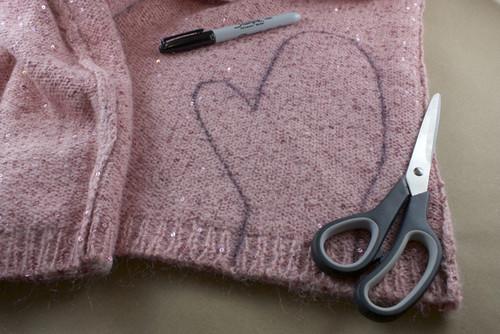 Sweater-Mittens05.jpg