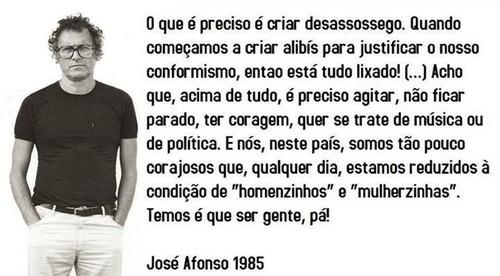 Zeca Afonso 1985.png