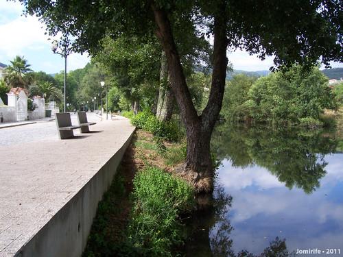 Vila de Góis - Rua à beira rio