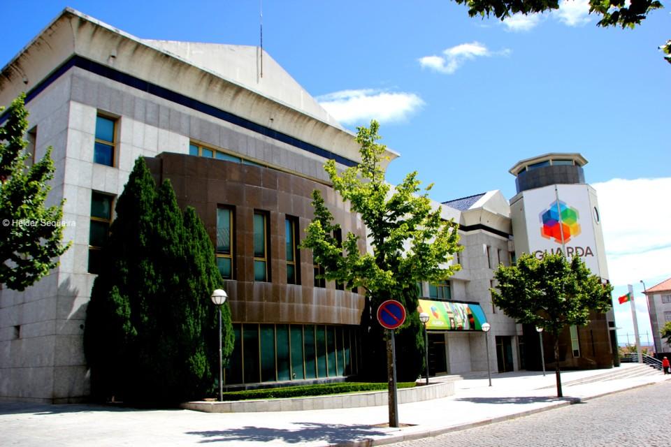 Câmara da Guarda - edifício - HS.jpg