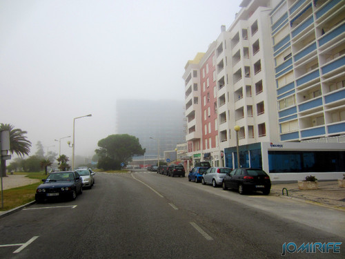 Figueira da Foz ao inicio do dia com nevoeiro - Hotel Galante a desaparecer (2) [en] Figueira da Foz in the morning with fog - Galante Hotel disappearing