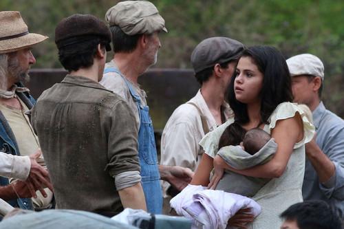 Selena-Gomez--On-In-Dubious-Battle-set--06.jpg