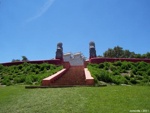 Jardim Buddha Eden - Na relva
