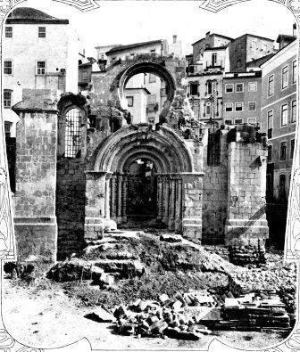 A Igreja  de Sant'Iago durante as obras de restaur