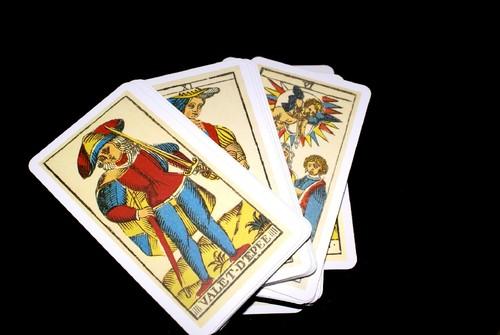 tarot-cards-793250_1920.jpg