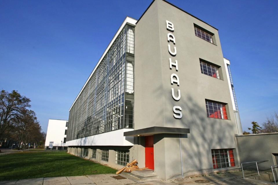 shocking-ideas-architecture-bauhaus-walter-gropius