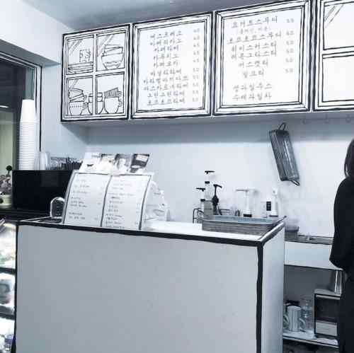 korean-cartoon-cafe-designboom-7.jpg