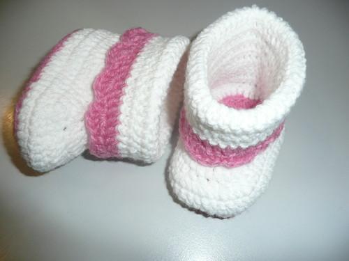 Botinhas rosa e brancas.JPG