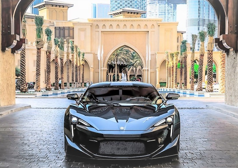 W-Motors-Fenyr-SuperSport-1024x702.jpg