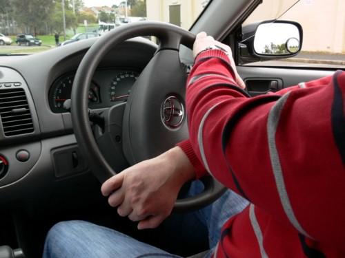 Tuas mãos ao volante.jpg