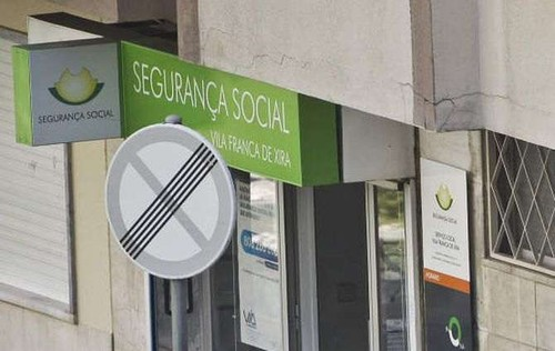 segsocial1.jpg