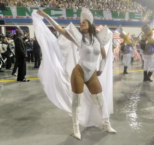 Lívia Andrade (Carnaval S.Paulo 2019).jpg