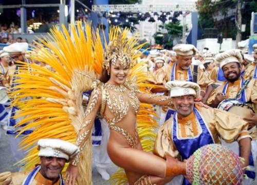 Elaine Azevedo (Carnaval Rio 2019).jpg