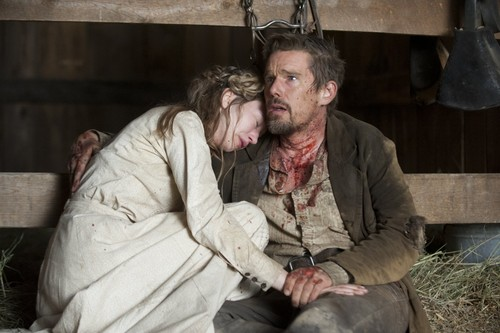 In-a-Valley-of-Violence-2016-Ethan-Hawke-Taissa-Fa