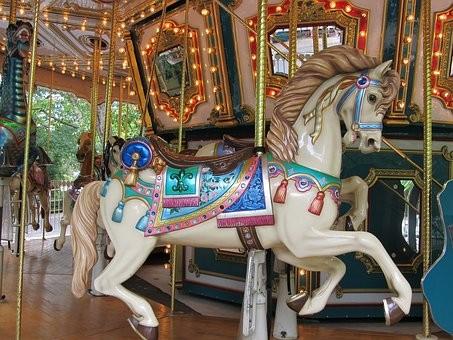wooden-horse-1746813__340.jpg