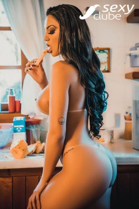 Amanda Souza .jpg