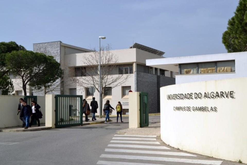Entrada-Universidade-Gambelas1-1024x683.jpg