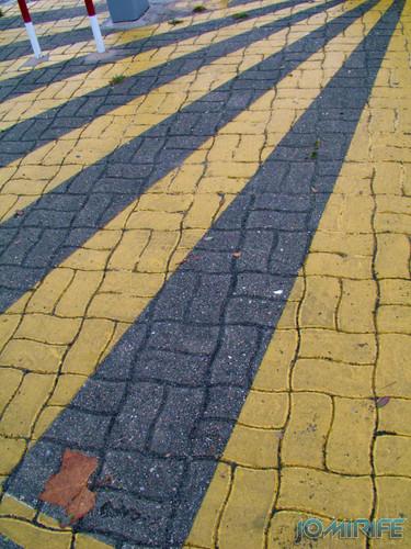 Padrão - Linhas amarelas de parque estacionamento
