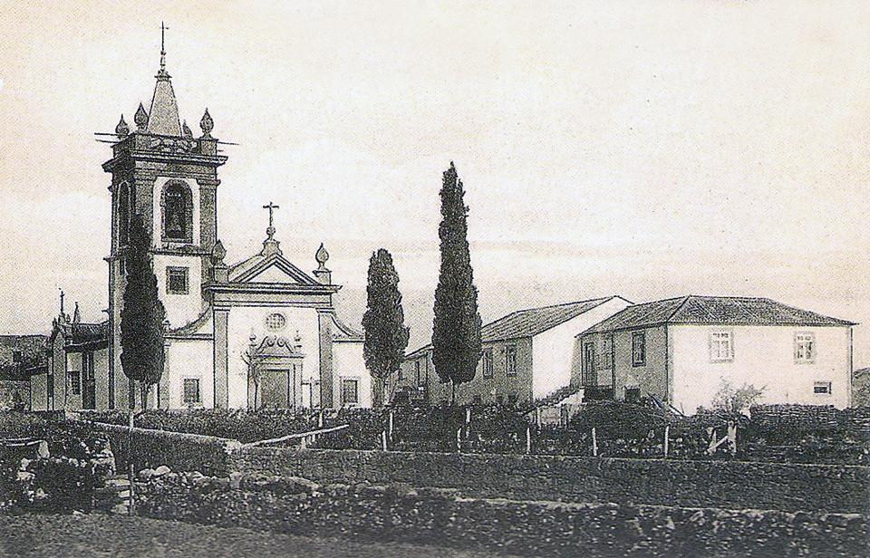 17 - Igreja Matriz de Gontinhães - 1903.jpg