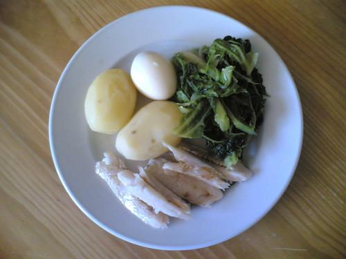 Almoço: Batata, Couve, Ovo e peixe, cozido
