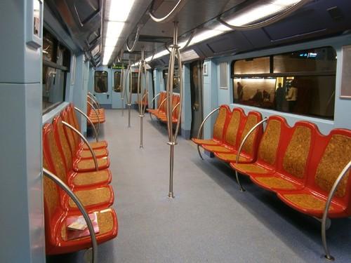 Resultado de imagem para novas carruagens metro lisboa