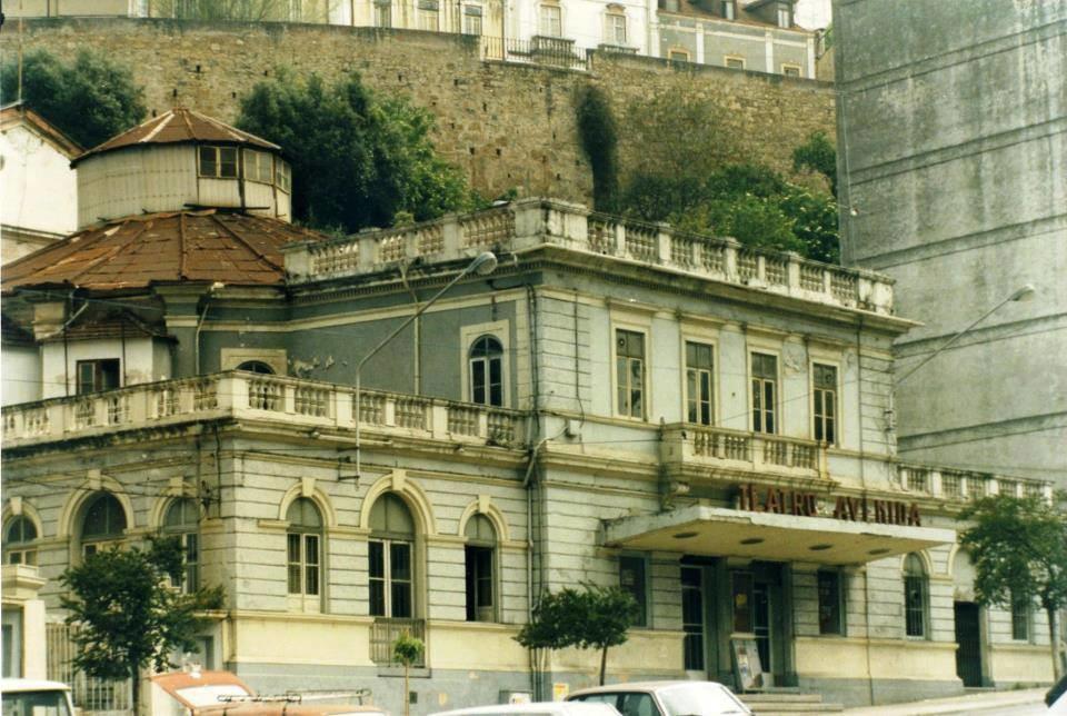 Teatro Avenida. Exterior.jpg