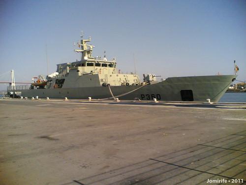 Navio de guerra atracado porto da Figueira da Foz