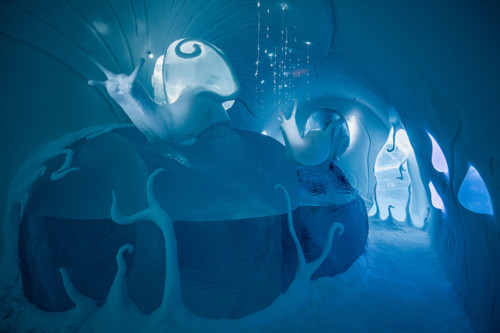 ICEHOTEL-2017-art-images-designboom-052.jpg