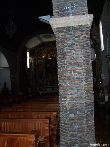 Castelo Bragança: Igreja de Santa Maria - Pilares