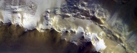 ESA_ExoMars_Korolev_crater_mtp000_stp004_bs015_RPB
