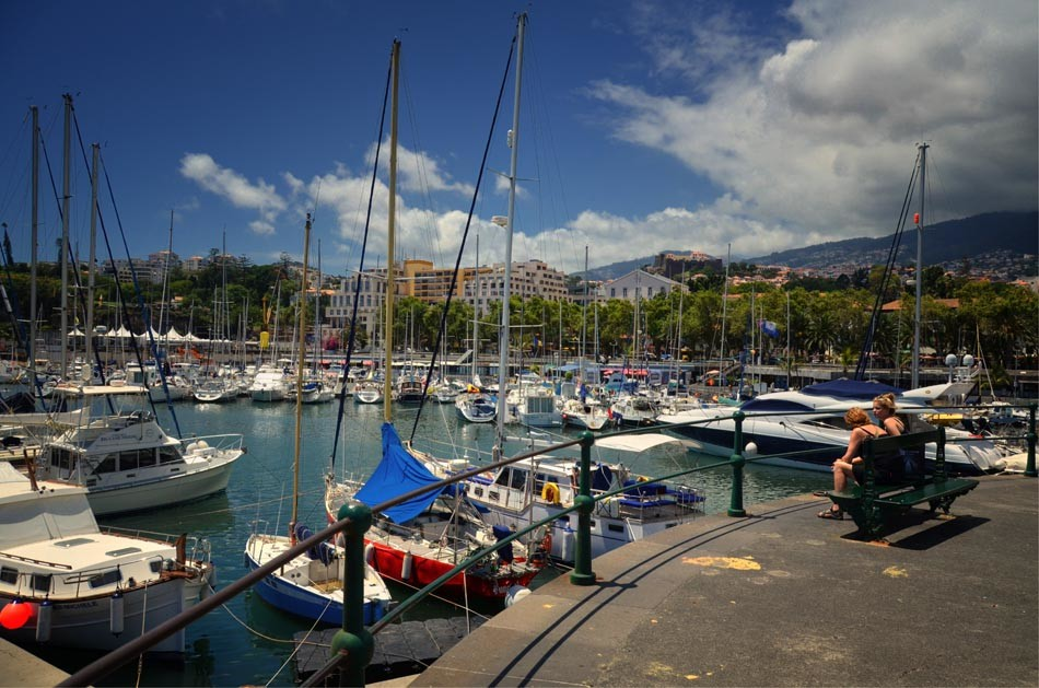 Marina-de-Funchal[1].jpg