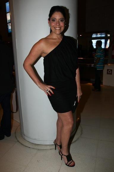 Beth Guzzo (cantora).jpg
