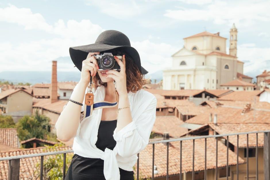 Como escolher a máquina fotográfica perfeita para estas férias - Moda & Style