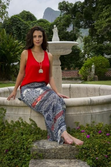 Camila Rodrigues 14.jpg
