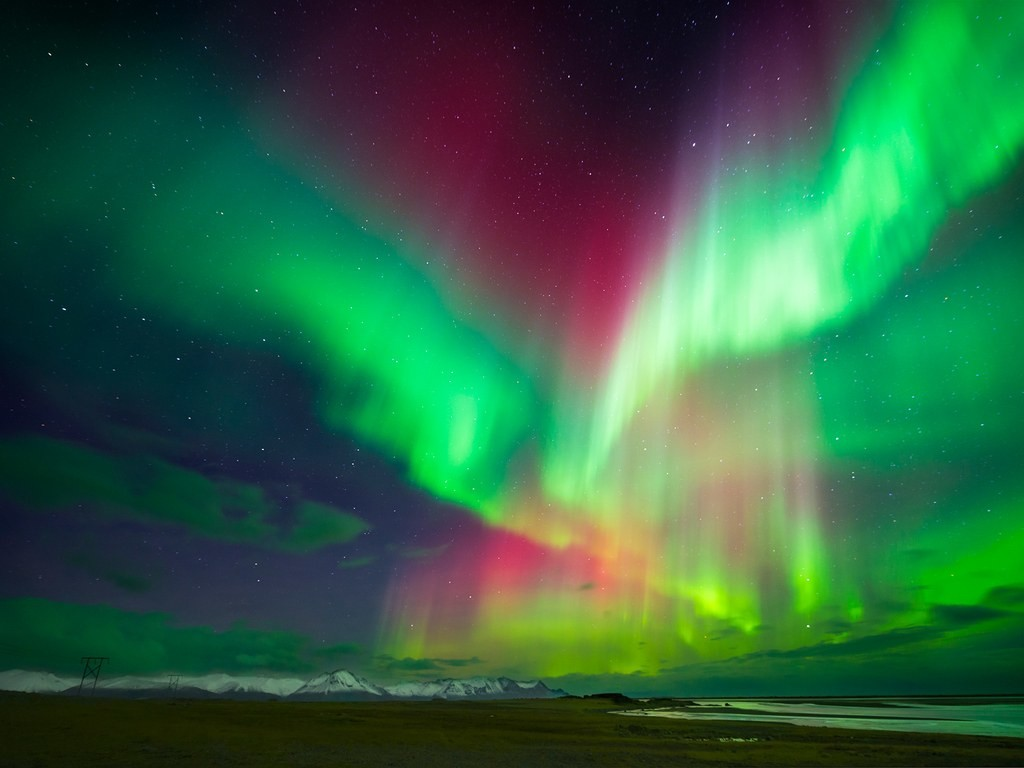 Thingvellir-iceland-northern-lights-GettyImages-49