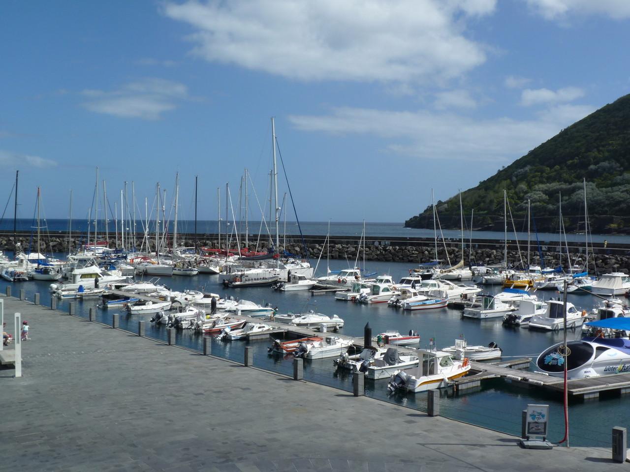 Angra - Porto das Pipas - marina (29).JPG