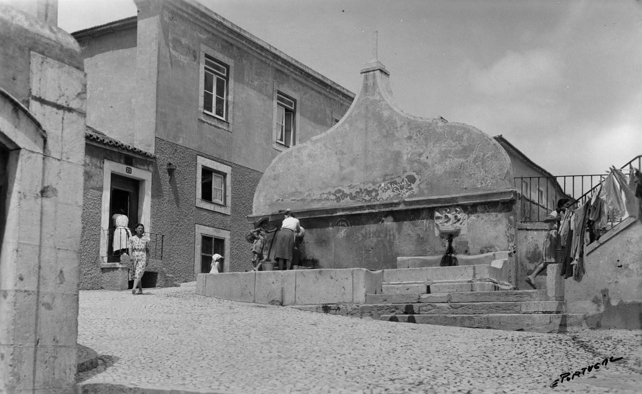 Chafariz da Fonte Santa, 1939, foto de Eduardo Por