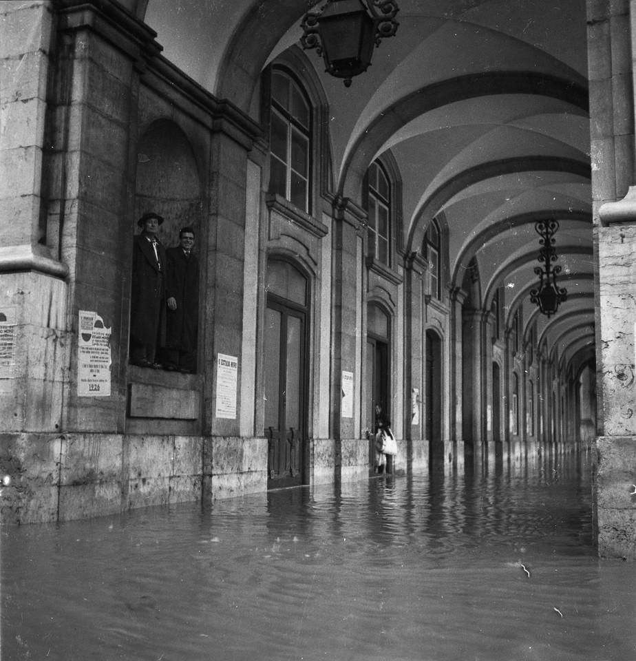 Inundações, Terreiro do Paço.jpg