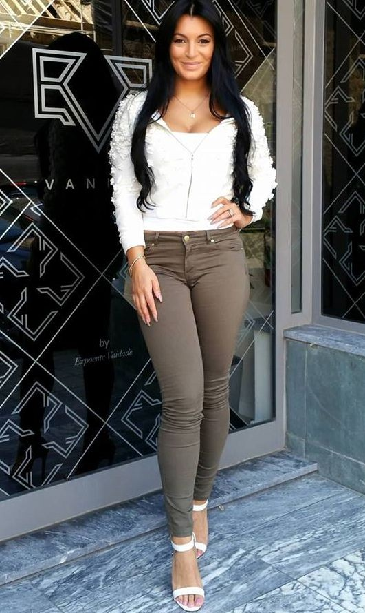 Alexandra Ferreira (DJ & ex-secret story 2)
