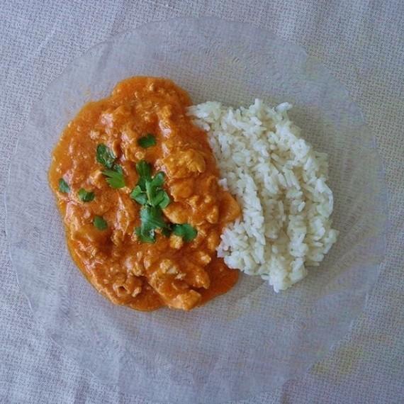 Caril de frango com leite de coco - Moda & Style