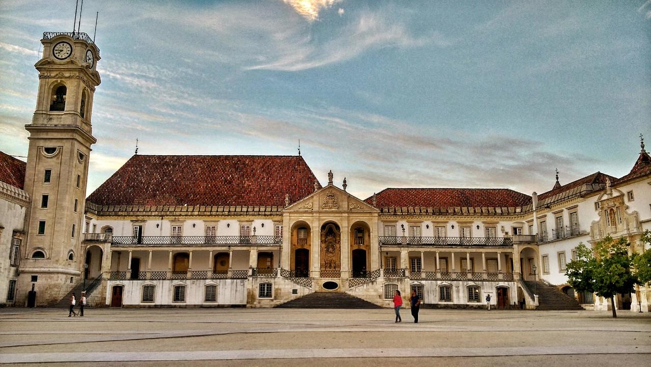 Pátio das Escolas FDUC © João M. Pereirinha