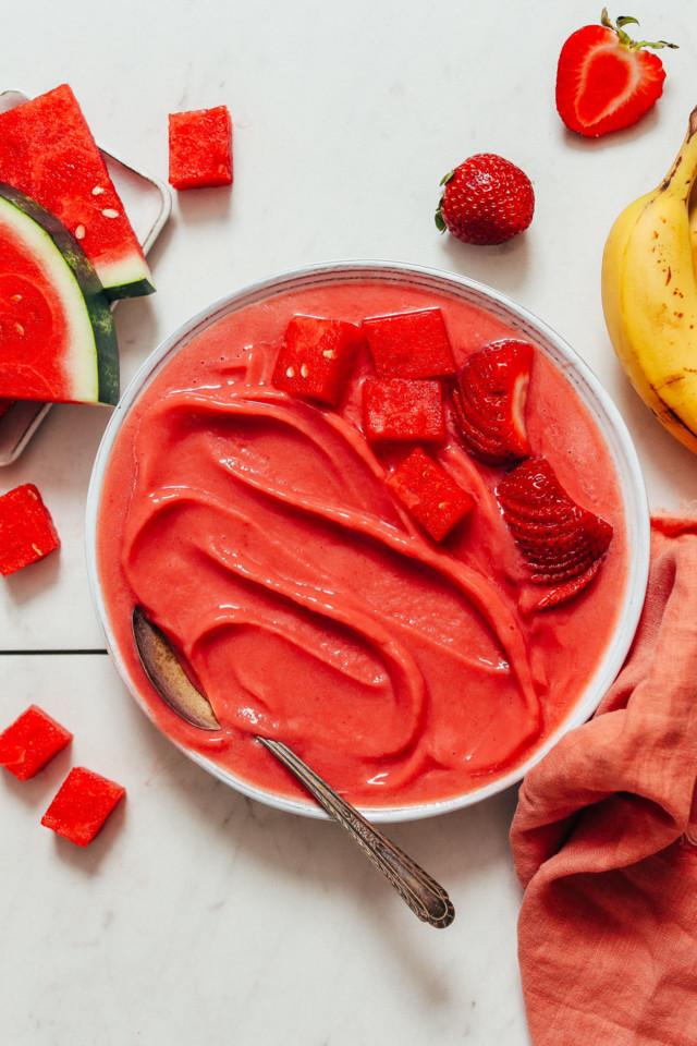 CREAMY-Strawberry-Watermelon-SORBET-5-minutes-4-in