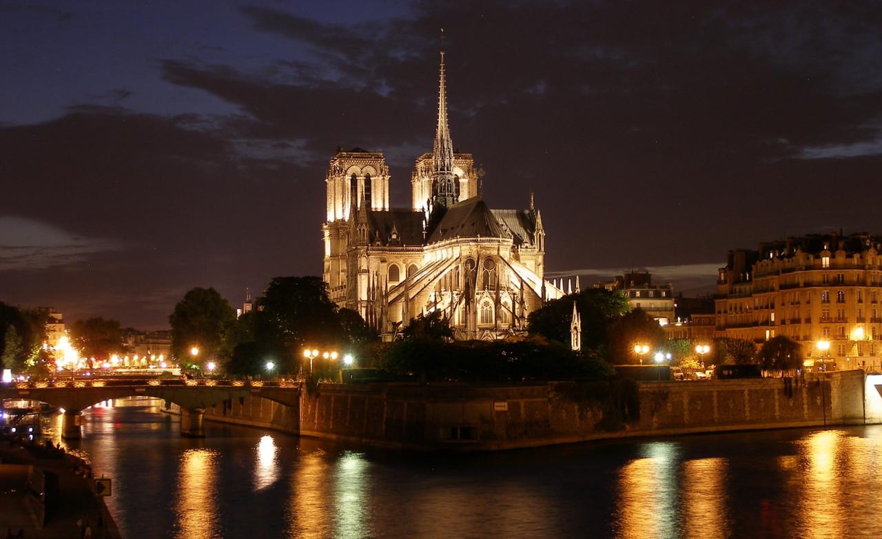 Cathédrale_Notre-Dame_de_Paris-1 (1).JPG
