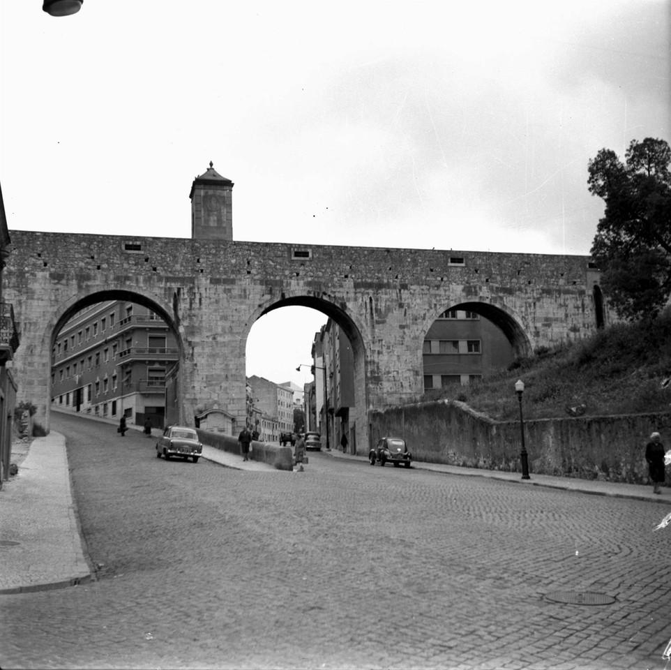 Arco do Carvalhão, 1961, foto de Augusto de Jesus
