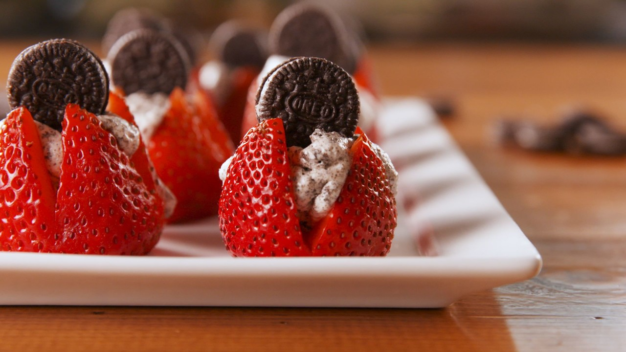 delish-oreogasm-strawberries-still003-1531433869 (