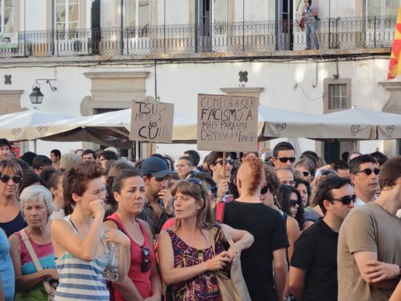 Manifestação 15/9 Cartazes em Évora