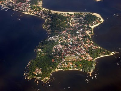 ilha de paqueta vista aérea.jpg
