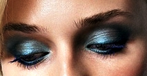 blue-eye-shadow-oopshi-nl[1]