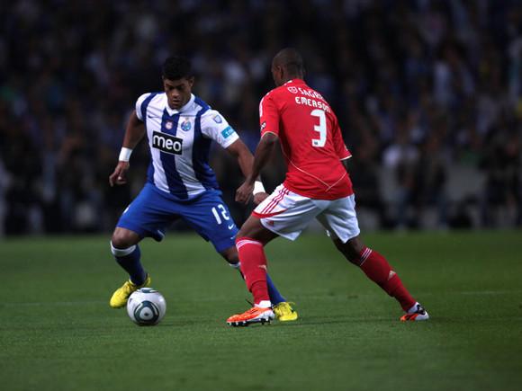 FC Porto e Benfica empatam a dois golos